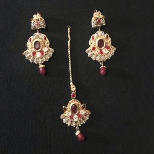 Jewelry - NEW Indian Jewelry Set (Tikka and Earrings)